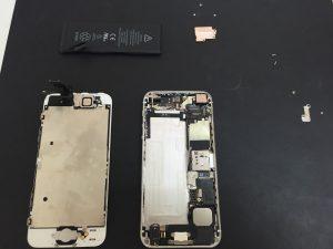 iPhone5 バッテリー脱着後