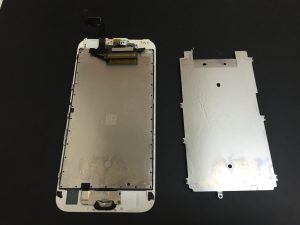 iPhone6s フロントパネル水没時
