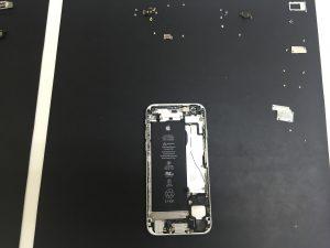 iPhone6s 基盤脱着時ネジ関連
