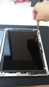iPad2液晶取り付け