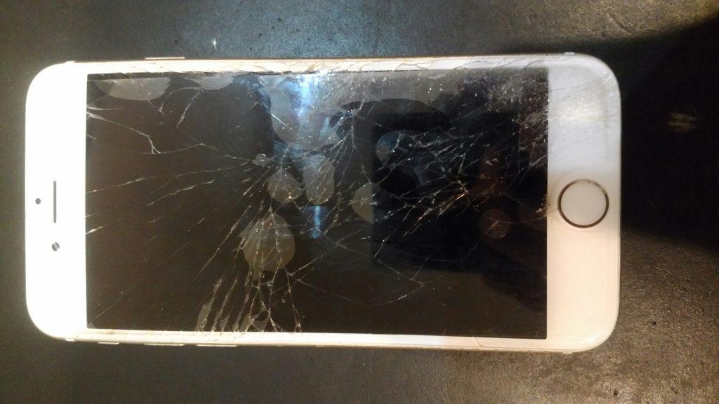 千葉県印西市からのご来店、iPhone6液晶交換でした。
