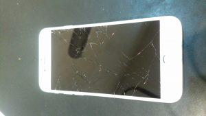 千葉県柏市からのご来店、iPhone6s液晶交換。 リペアくん柏店