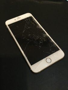 千葉県印西市からのご来店、iPhone6s液晶交換です。 リペアくん柏店