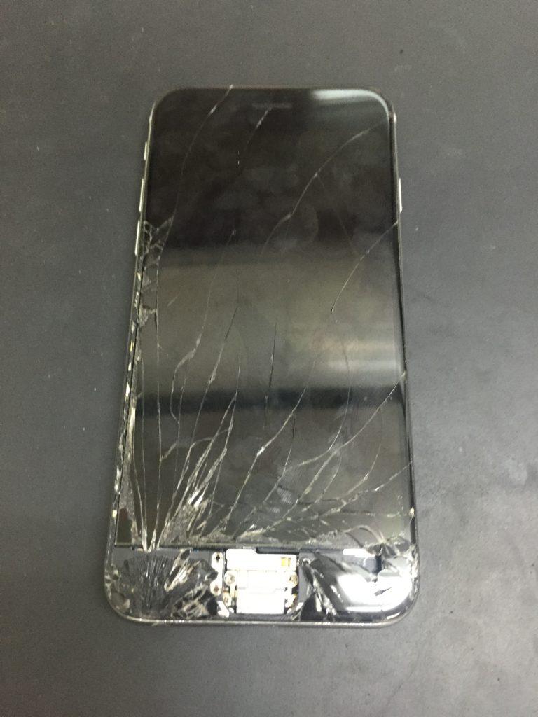 千葉県我孫子市よりiPhone6の液晶交換、ホームボタン修理でご来店です。