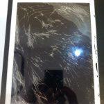 東京都葛飾区金町からのご来店、iPad4ガラス交換です。