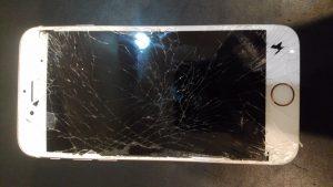 茨城県牛久市からのご来店、iPhone6液晶交換です。