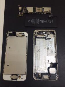 iPhone5 電源ボタン交換修理!経年劣化が原因…
