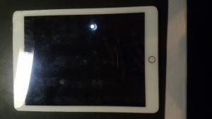 千葉県野田市からのご来店、iPadAir2のガラス交換です。 リペアくん柏店