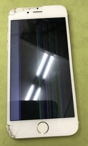 千葉市中央区よりリペアくん千葉店にiPhone6液晶交換のお客様にご来店いただきました。