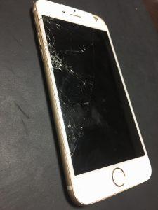 リペアくん横須賀店 iPhone 画面割れ交換